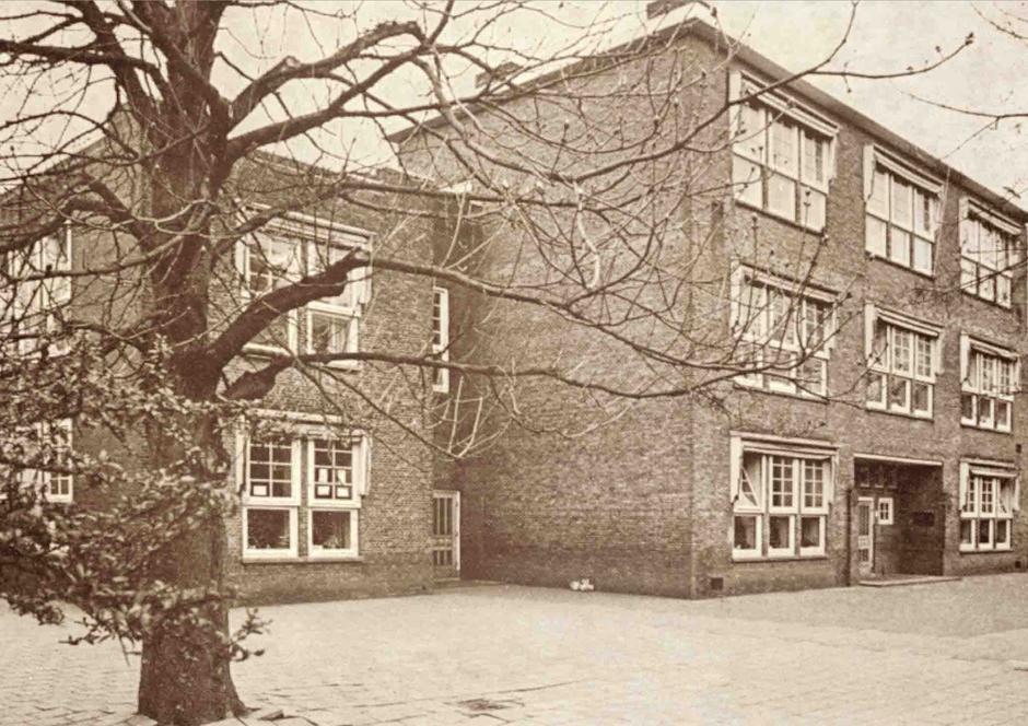 Mijn oude Maliebaanschool waar ik leraar was.