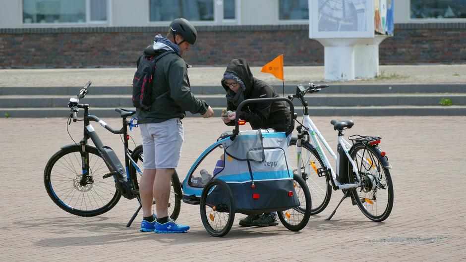 Wel heel optimistisch, korte broek in Noordwijk