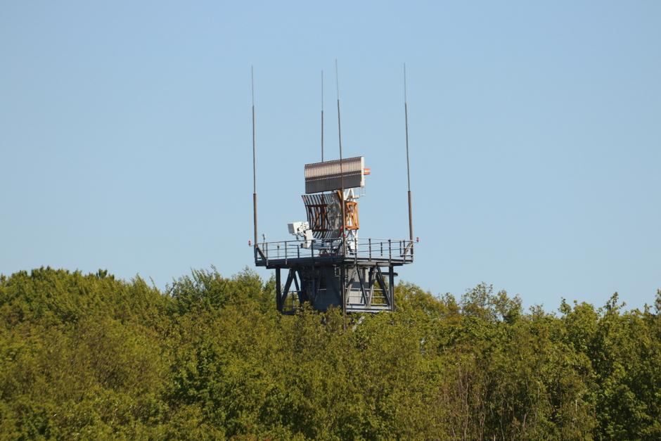 Radar op vliegveld Twente.
