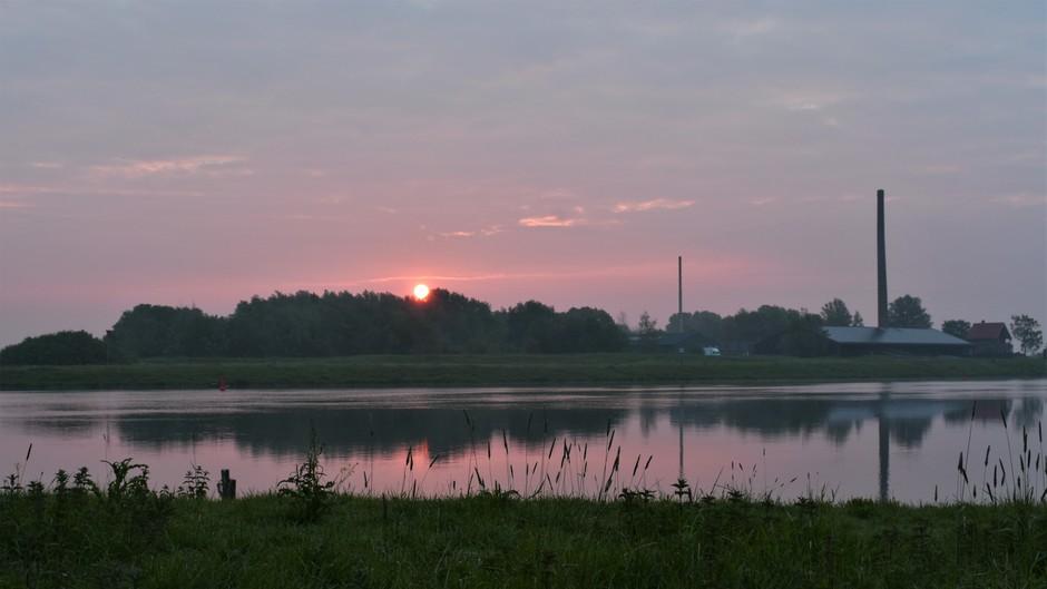 Zonsopkomst vanmorgen met wat mist