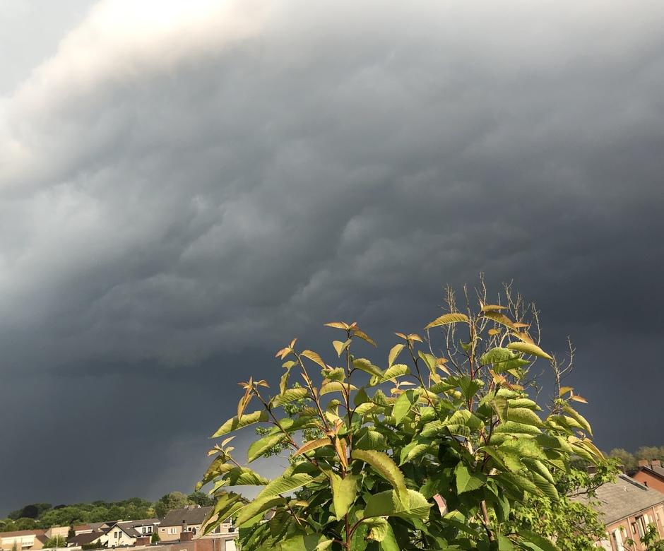Onweer wolken Boxmeer