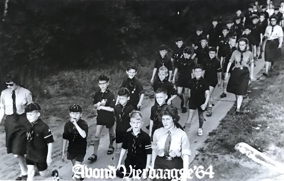 AVONDVIERDAAGSE 1964 AKELA ELS