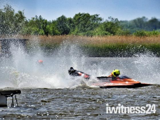Oulton Broad Powerboat Racing
