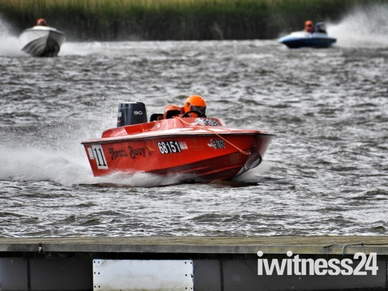Oulton Broad Powerboat Racing
