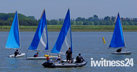 Fun on the Deben