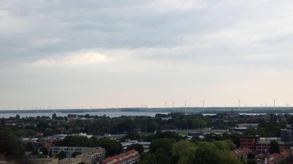 Vanaf Harderwijk uitzicht op de Veluwe. tijdstip foto circa 16:40 uur.