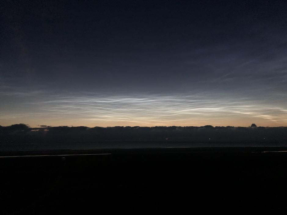 Lichtende wolken boven de Noordzee, Schiermonnikoog.
