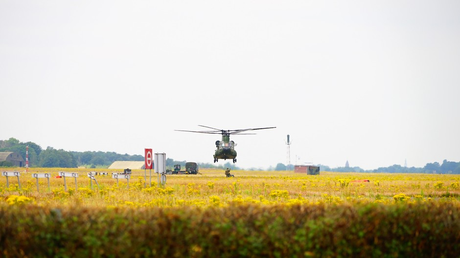Chinook maakt oefenvluchten