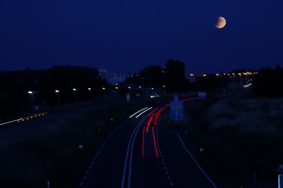 Gedeeltelijk maansverduistering
