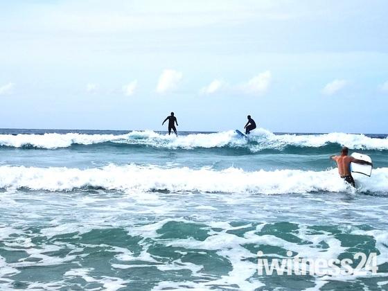 Sun, sand & surf