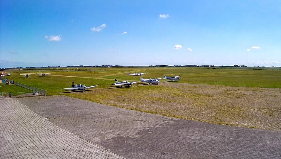 Vliegveld Texel, prachtig weer voor rondvlucht