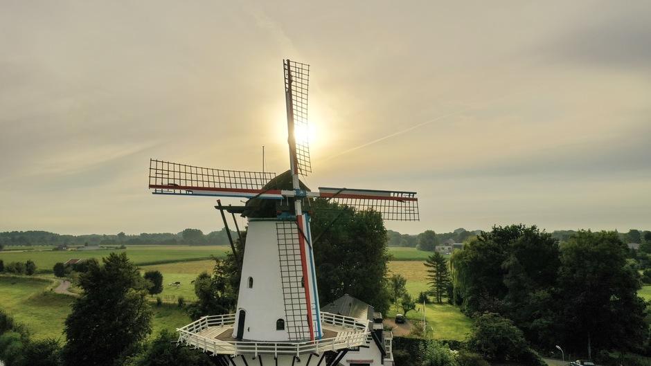Code Nederlandse kleuren vlag vandaag.