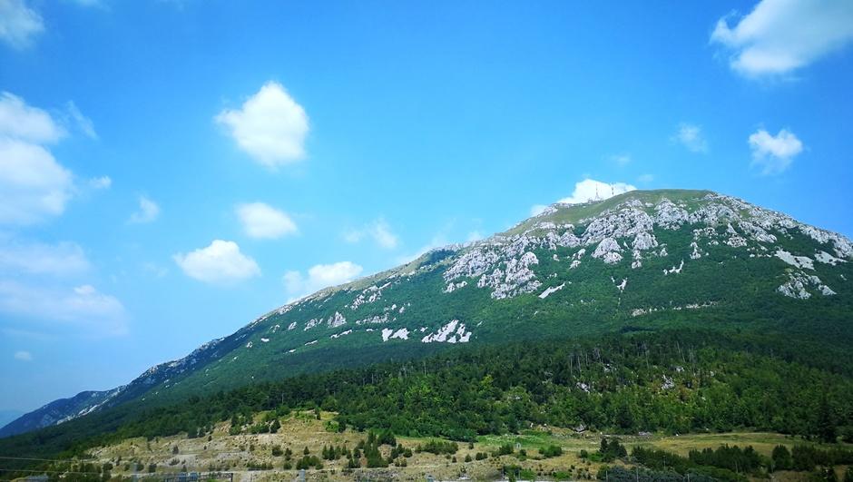 Warm met wat wolkjes in de Alpen