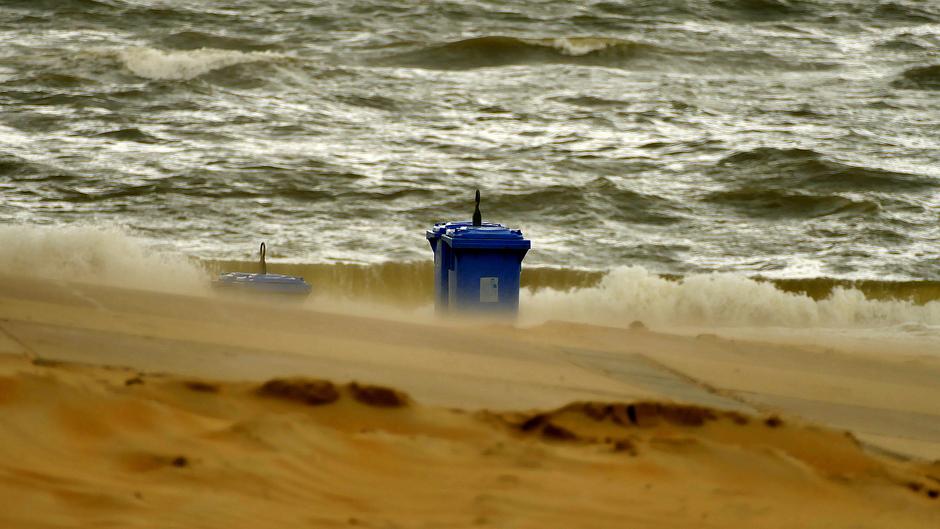 Ruige zee vanmorgen Wassenaarseslag