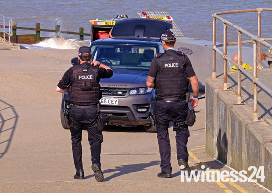 Armed Police at The Dip:(