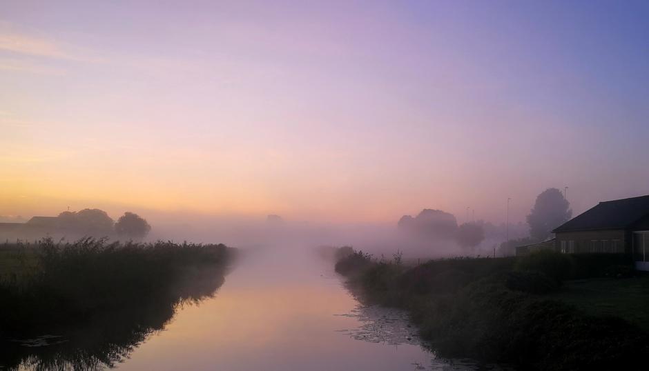 Mist en mooie kleuren vanmorgen