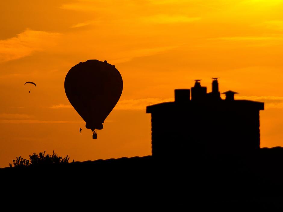 Ballon in ondergaande zon