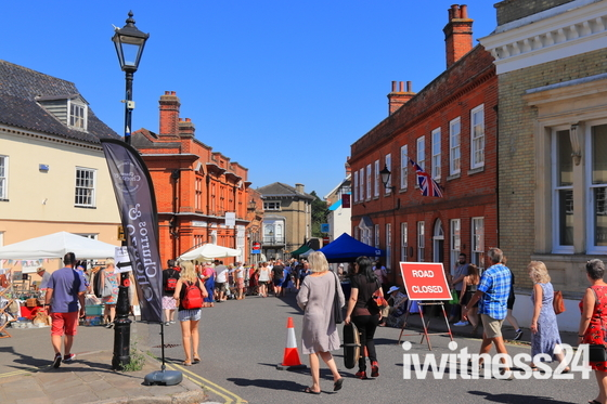 Halesworth Antiques Street Market