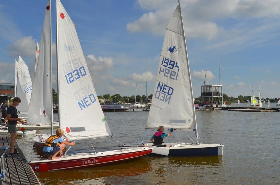 Er werd volop gezeild vrijdagmiddag in Reeuwijk!