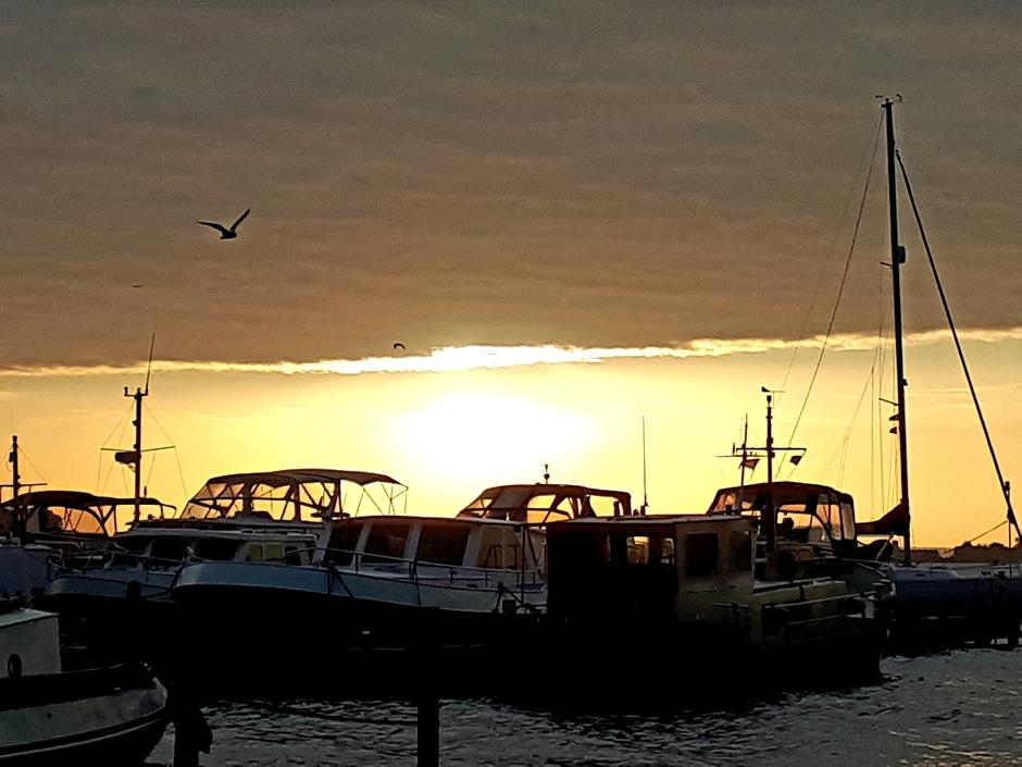 Zonsopkomst boven Braassemmermeer Roelofarendsveen.