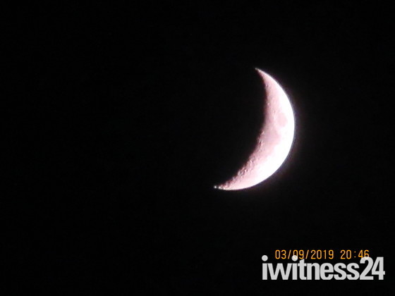 A crescent moon on 3 September 2019
