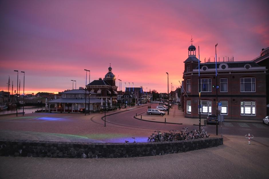 Knalrode Zonsopkomst Oude Haven Harlingen!!