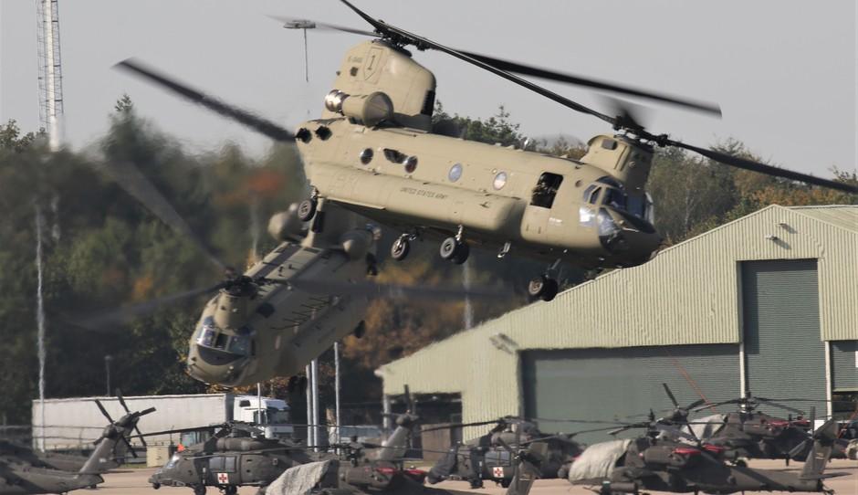 20191014 Helikopters van het Amerikaanse leger vandaag op vlb Eindhoven bij een mooi zonnetje en 20 graden