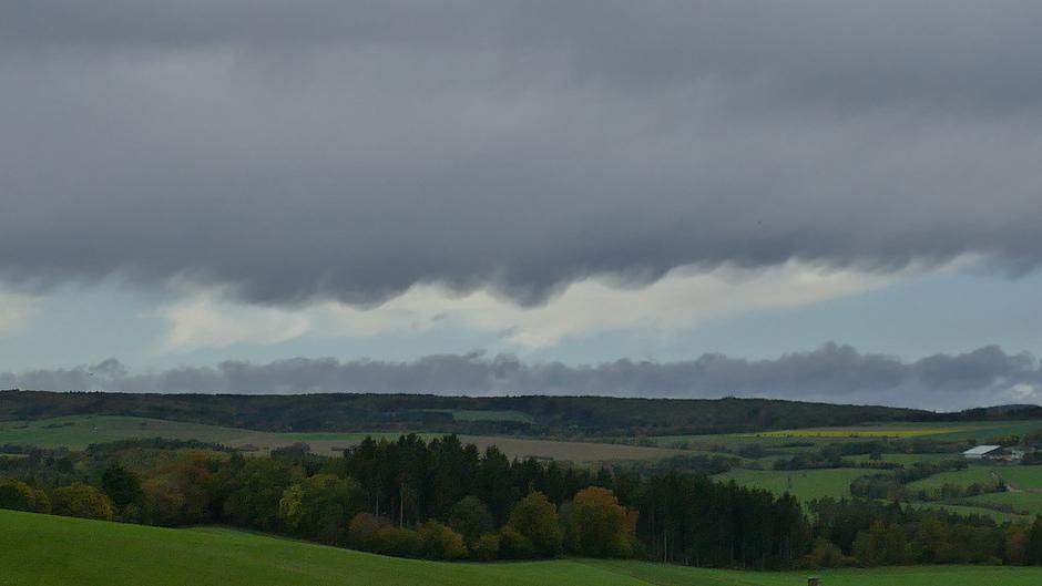 Mammatuswolken in Duitsland Meerfeld 14.40 uur.