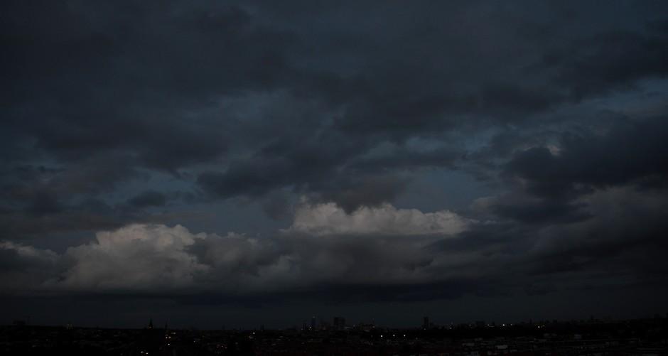 Dreigende lucht boven Den Haag