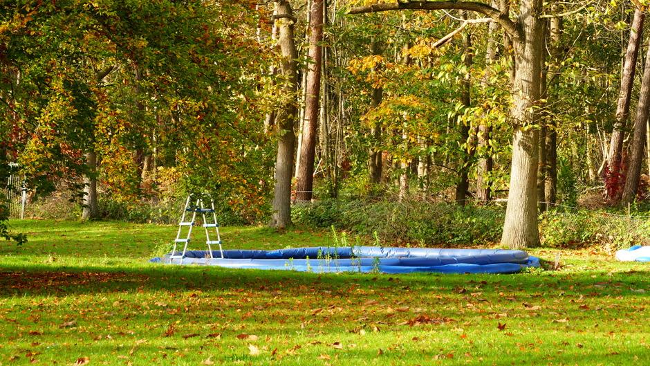 Troosteloos zwembad
