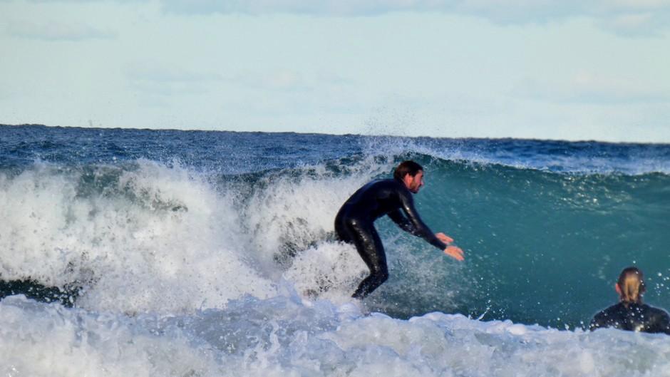 Hoge golven voor surfers