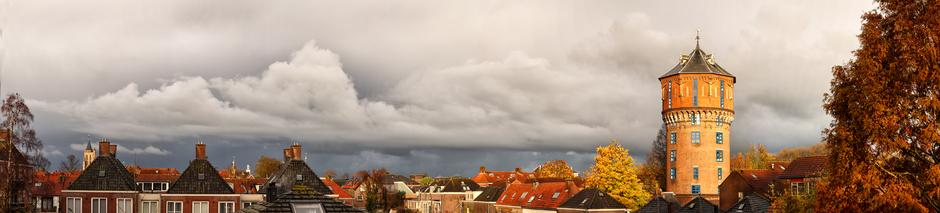 Buien en zon boven Gorinchem