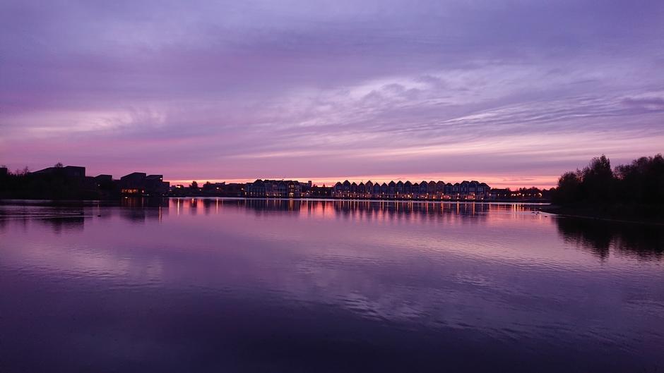 Rond zonsondergang aan de Rietplas bij Houten