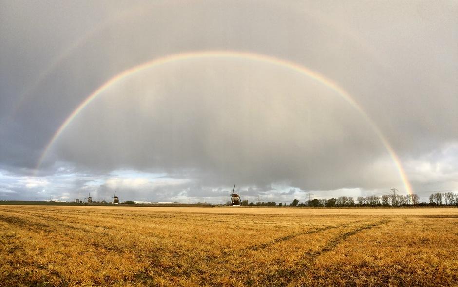 Regen en een regenboog
