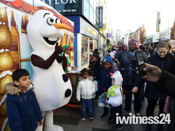 Happy Christmas Celebrations in Ilford High Road