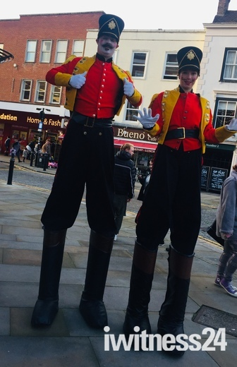 Romford soldiers on stilts