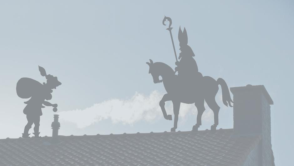 Sint en Piet in de mist