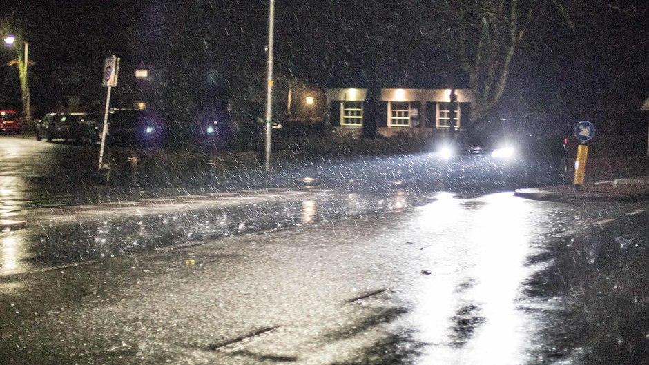 Pittige regenbui om 5.45 uur in het Rivierengebied