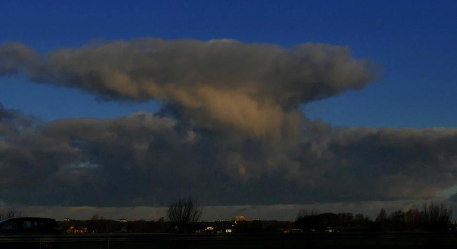 Atoomwolk boven Noordwijk, Estec 09.34 uur