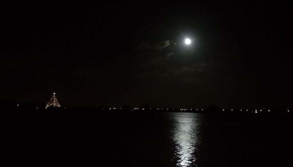 Maan  boven de Lek