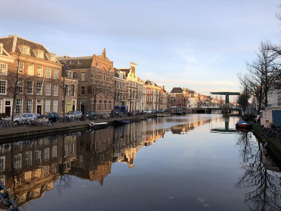 Hart van Leiden, gracht en prachtig licht