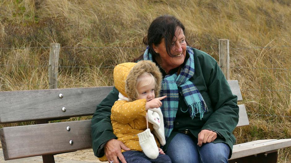 Oma en kleindochter Meijendelseslag Wassenaar