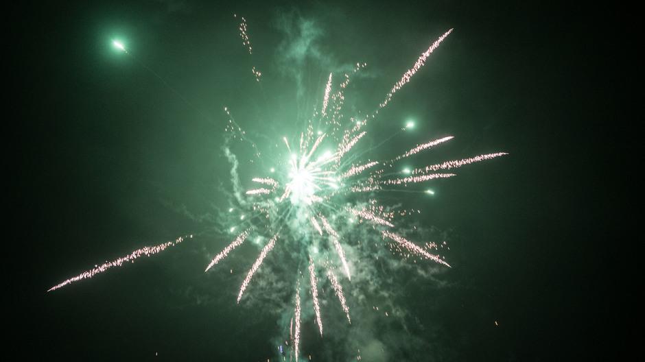 Mist en veel mooi vuurwerk vannacht in Tiel #Gelukkig2020