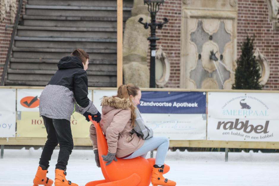 Het jaar is begonnen op de schaatsbaan