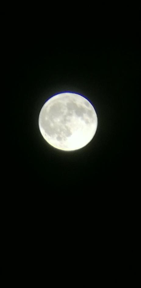Volle maan met lichte verduistering