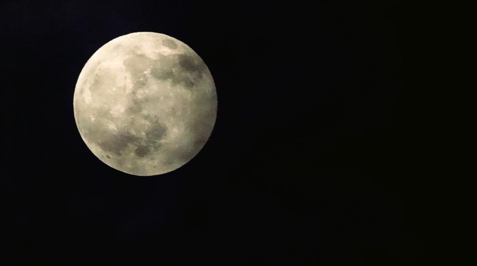 Volle maan rond  22.00 uur vanavond