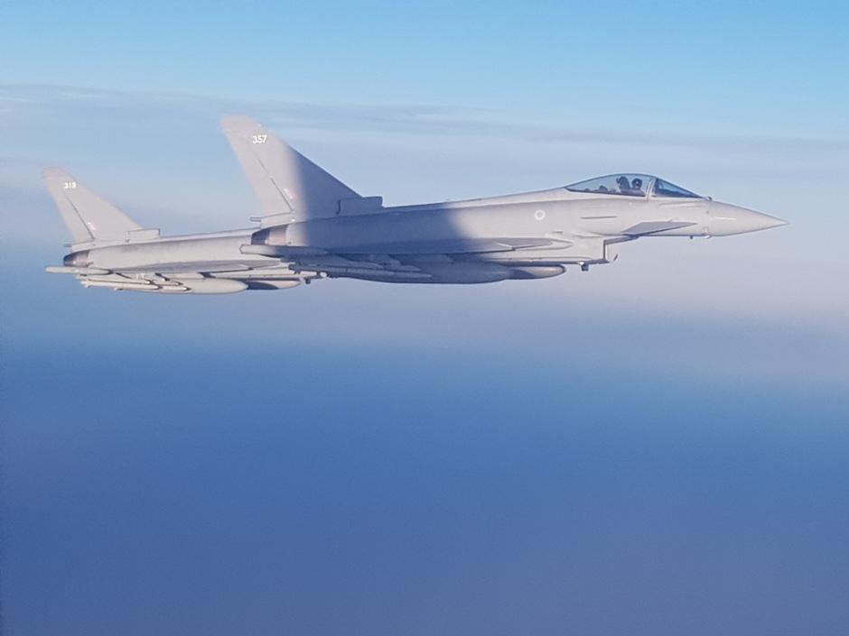 20200114 Boven de Noordzee, in een Belgische transporttoestel kwamen er 2 Engelse Eurofighters voorbij