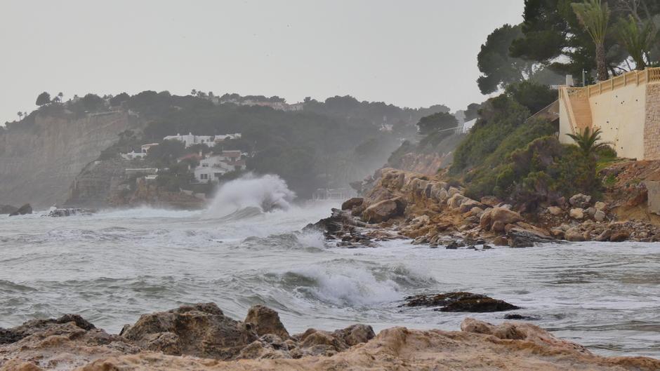 Storm voorbij, zee nog niet uitgeraasd