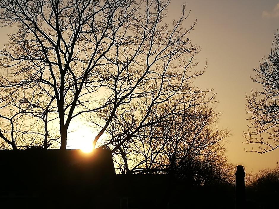 Zonsondergang met mooie kleuren
