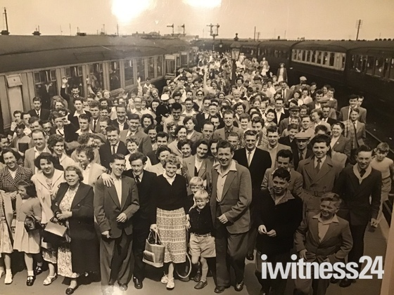 Summertime special Train from Norwich to Gt Yarmouth